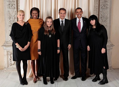 spanish-prime-ministers-daughters-first-family-photo