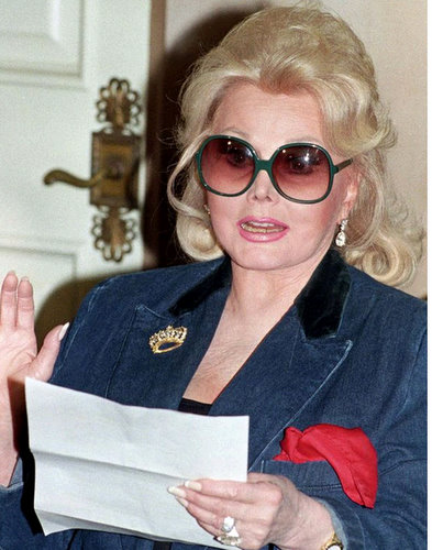 zsa zsa gabor falls from bed