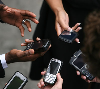 mobile phones social media facebook twitter