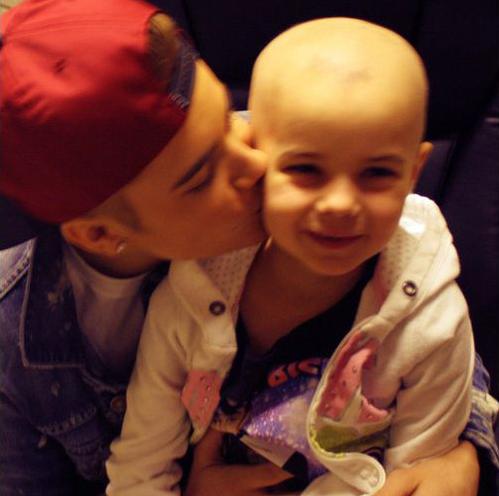 Bieber's nice visit to a leukemia patient