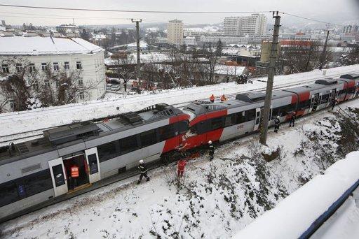 head-on-train-crash