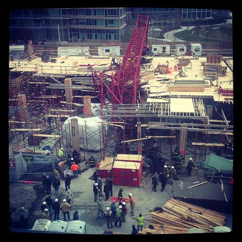 nyc-crane-injures-seven