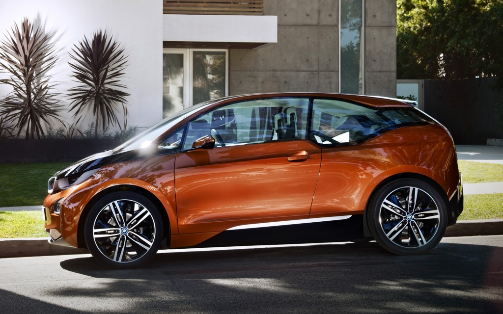 BMW-i3-Concept-Coupe-side-view-in-street-1024x640