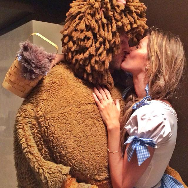 tom brady cowardly lion costume