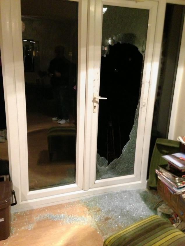 couple-leaves-note-to-burglars