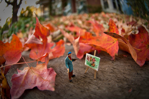 tiny-pictures-figurines-outdoors (3)