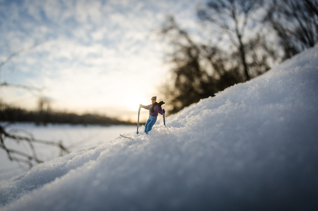 tiny-pictures-figurines-outdoors (6)