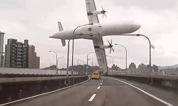 transasia-airplane-crash-river
