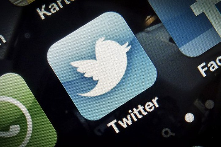 twitter signs deal with googl to show real time tweets