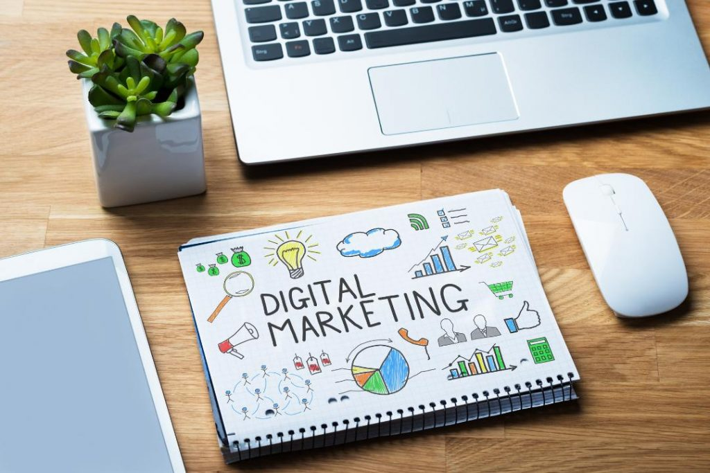 8 reasons to hire digital marketing consultant for small business